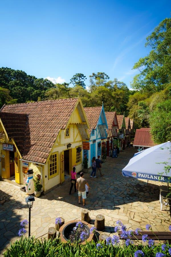 小五颜六色的大厦在帕洛贝尔德国家公园,巴西 免版税库存照片