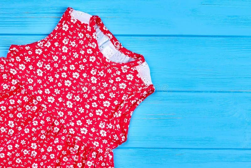 小儿童女孩红色化装舞会服装 库存图片