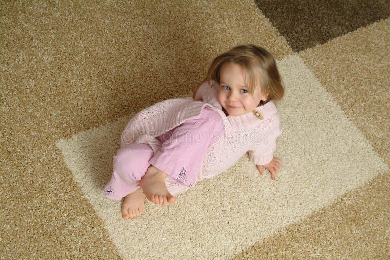 小儿童的地毯 免版税库存照片