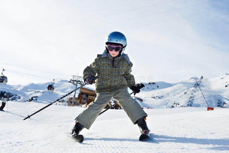 小儿童的滑雪 免版税库存图片