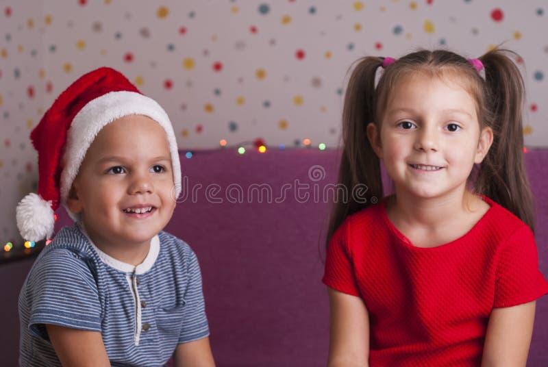 小兄弟和姐妹 免版税库存照片