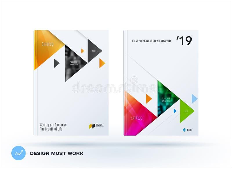 小册子设计三角模板 五颜六色的现代摘要集合,与三角的年终报告烙记的 向量例证