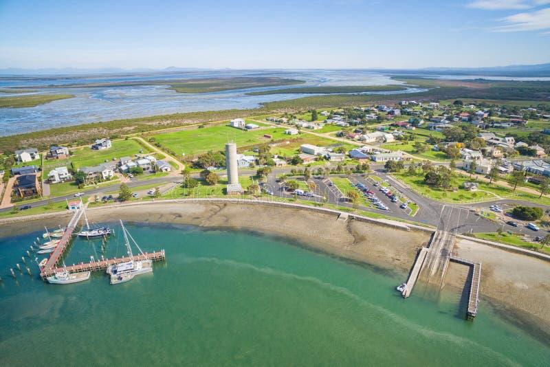 小农村捕鱼港口在澳大利亚 免版税库存照片