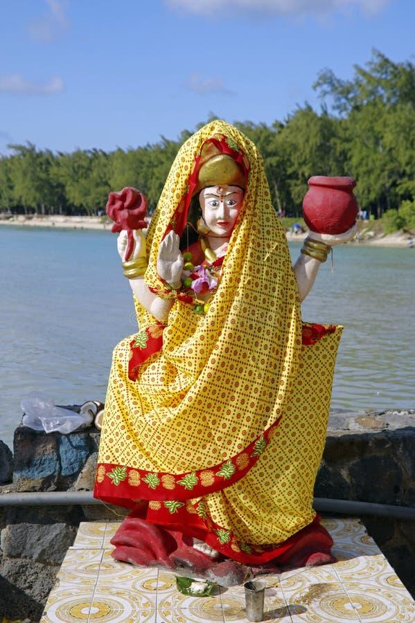 小印度寺庙的在露天下,毛里求斯海岛印度女神 免版税图库摄影
