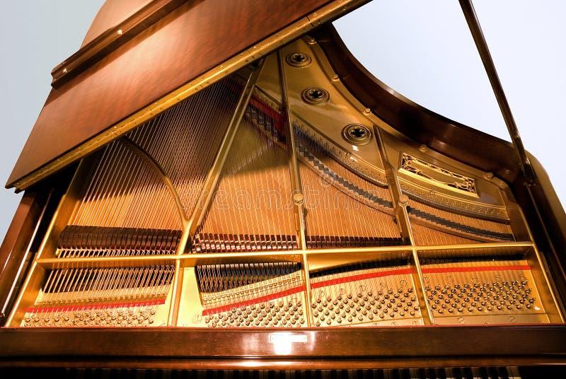 小型三角钢琴 免版税库存照片