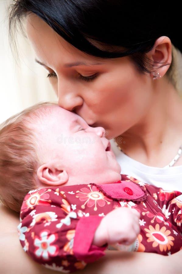 小女儿母亲 免版税图库摄影