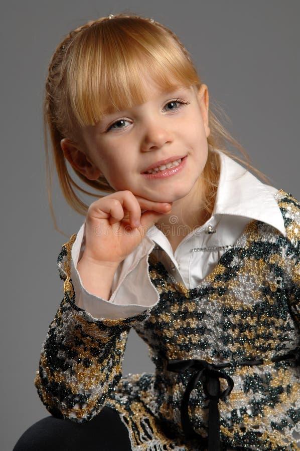 小女孩在照片演播室 库存图片