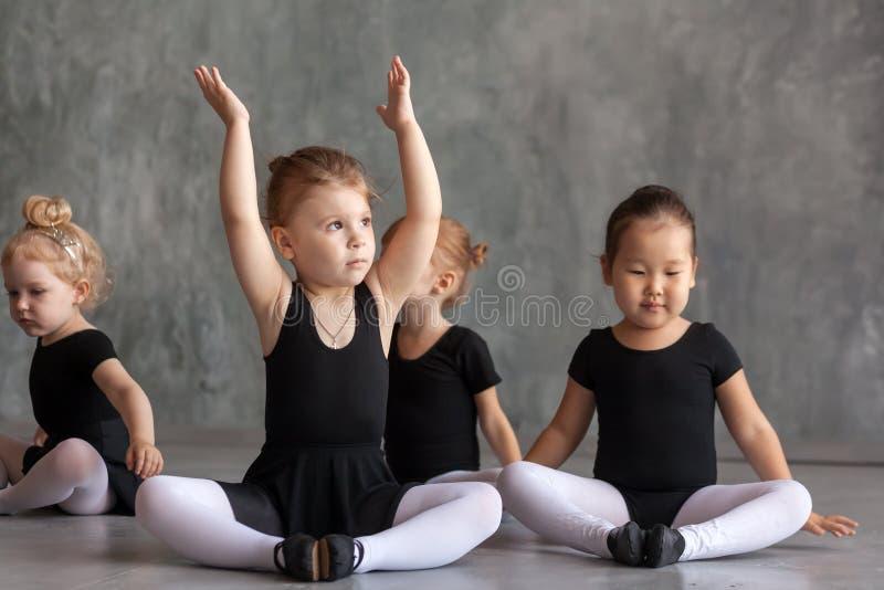小女孩ballerines 图库摄影