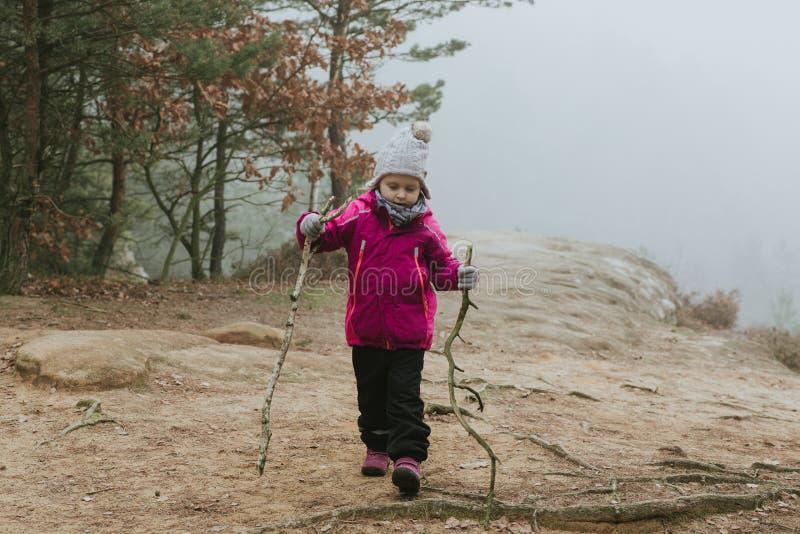 小女孩turist 免版税图库摄影