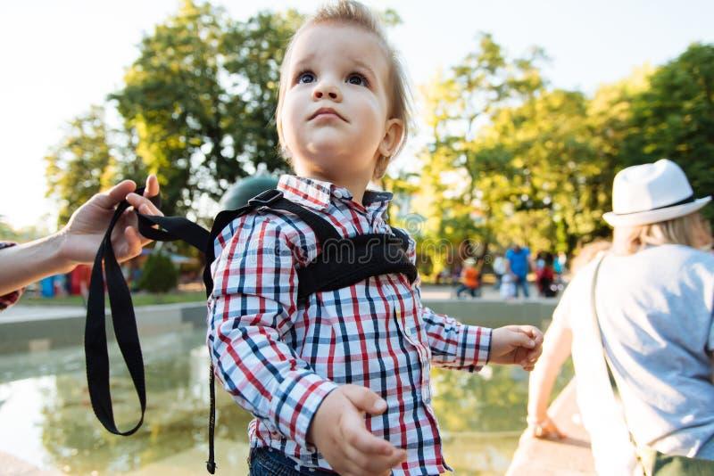 小婴孩在婴儿推车坐 图库摄影