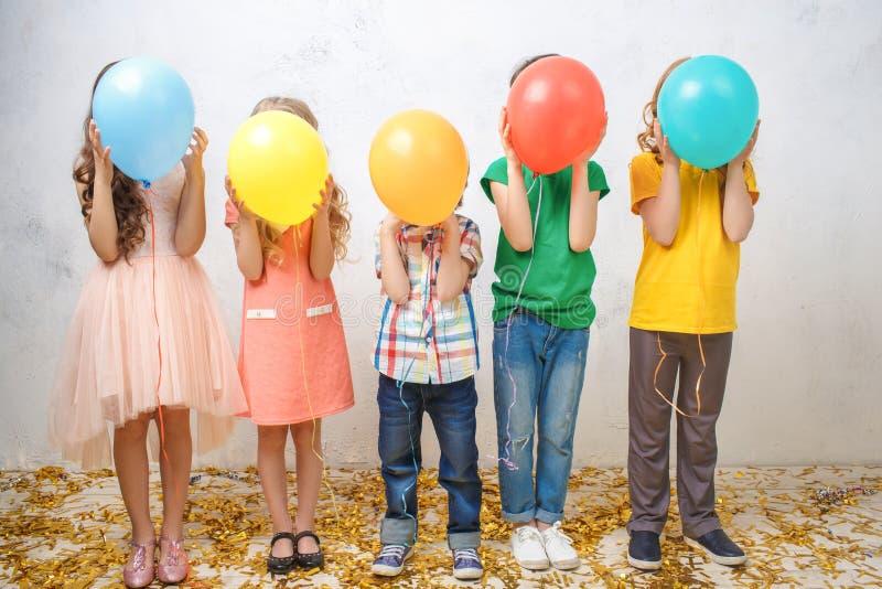小孩演播室画象一起党庆祝 图库摄影