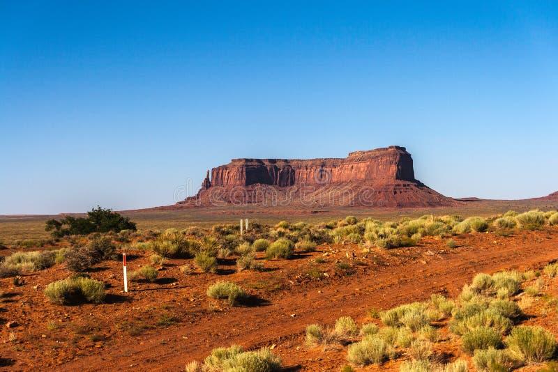 小山在纪念碑谷部族公园 免版税库存图片