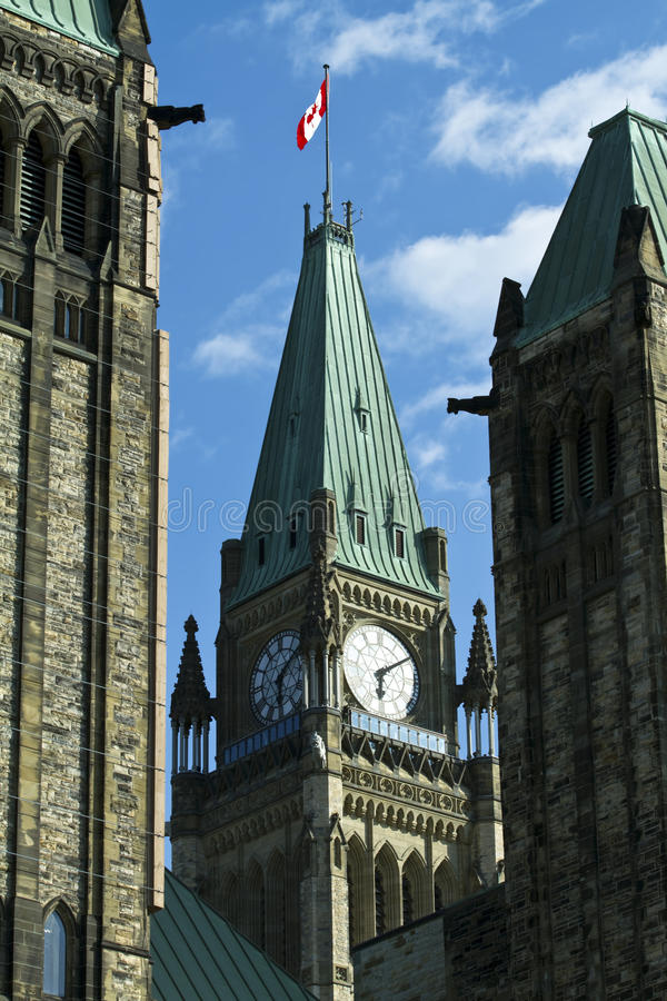 小山渥太华议会和平塔 免版税库存图片