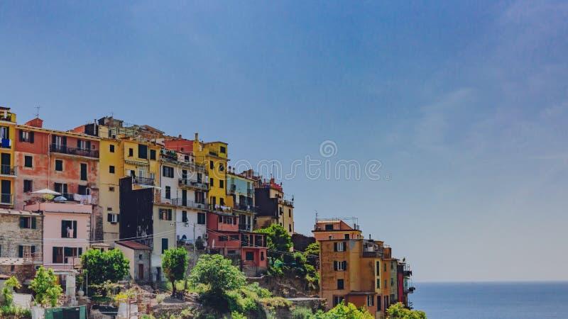 小山的Corniglia,五乡地,意大利议院 免版税库存图片