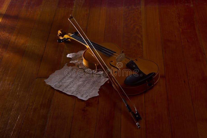 小提琴板料和音乐 免版税图库摄影