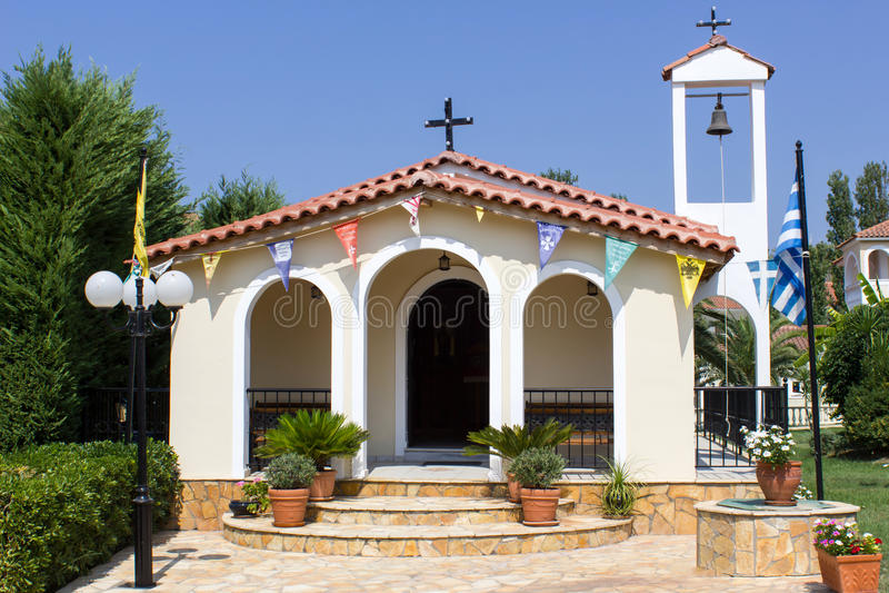 小教堂在庭院里 免版税图库摄影