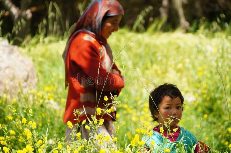 小未认出的回教孩子在拉达克地区 免版税库存图片
