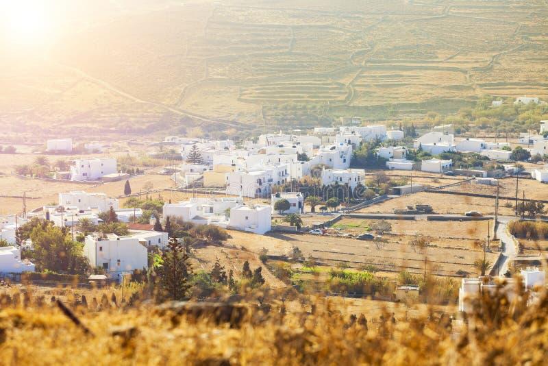 小村庄在蒂诺斯岛海岛,希腊 图库摄影