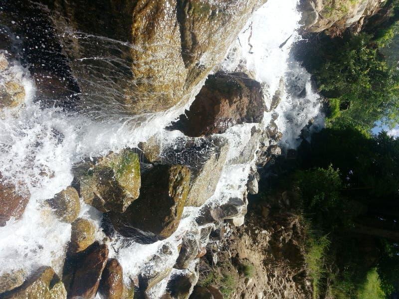 水小河在克什米尔 库存照片