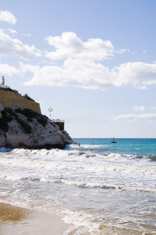Download 小海滩 库存图片. 图片 包括有 火箭筒, 峭壁, 岩石, 放松, 地中海, 沙子, 旅游业, 通知, 本质 - 30338701