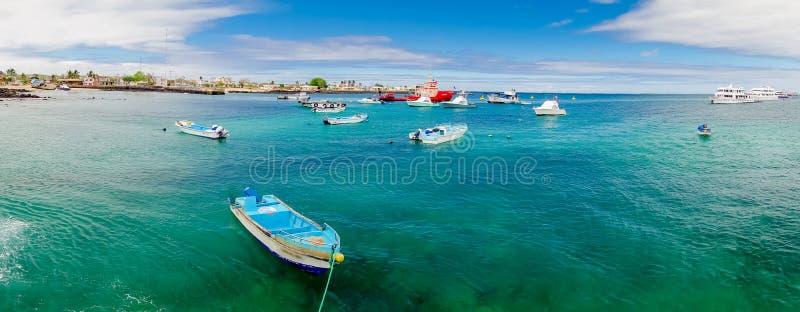 小游艇船坞在圣克里斯托瓦尔加拉帕戈斯群岛厄瓜多尔 免版税库存图片
