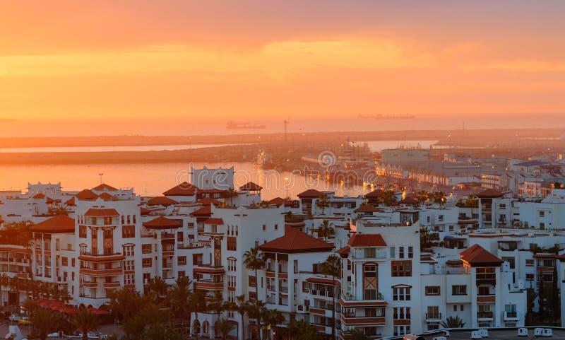 小游艇船坞在日落的阿加迪尔市,摩洛哥 库存照片