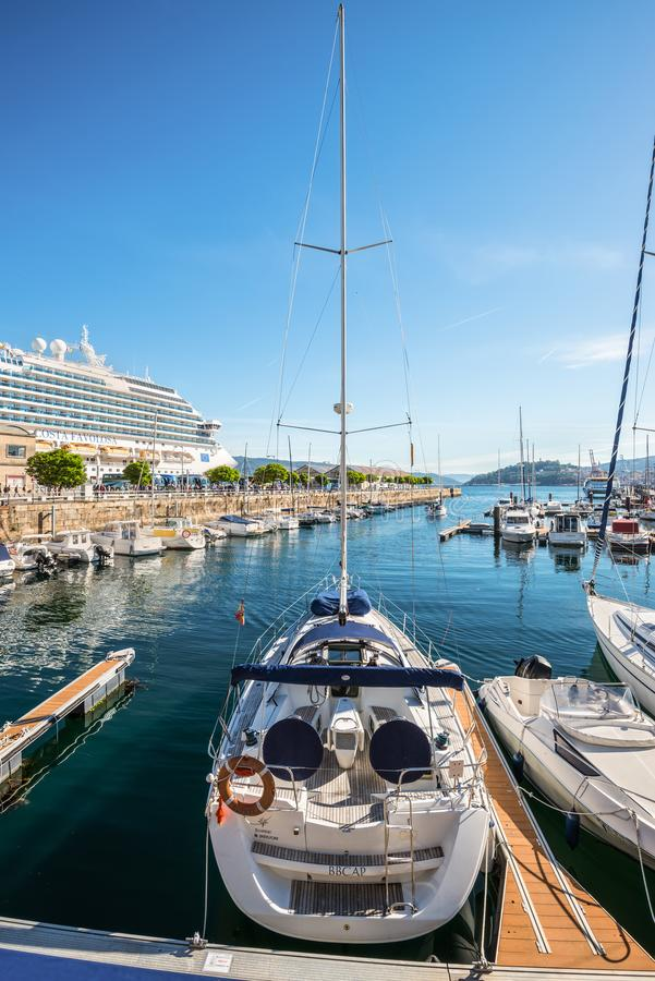 小游艇船坞在比戈,西班牙 图库摄影
