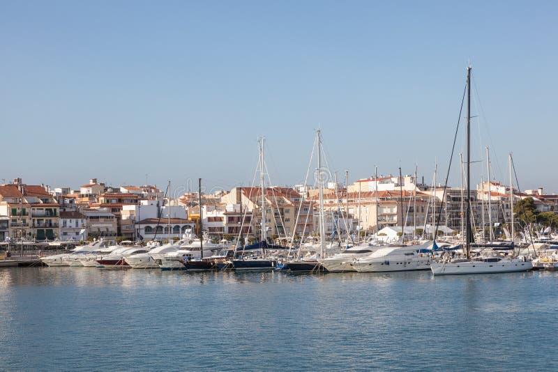 小游艇船坞在Cambrills,西班牙 免版税库存照片