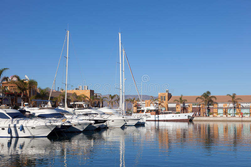 小游艇船坞在Puerto de Mazarron,西班牙 免版税库存图片