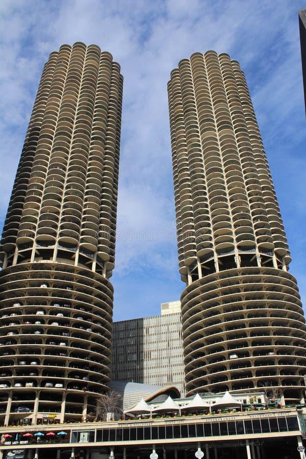 小游艇船坞城市公寓区在芝加哥 图库摄影