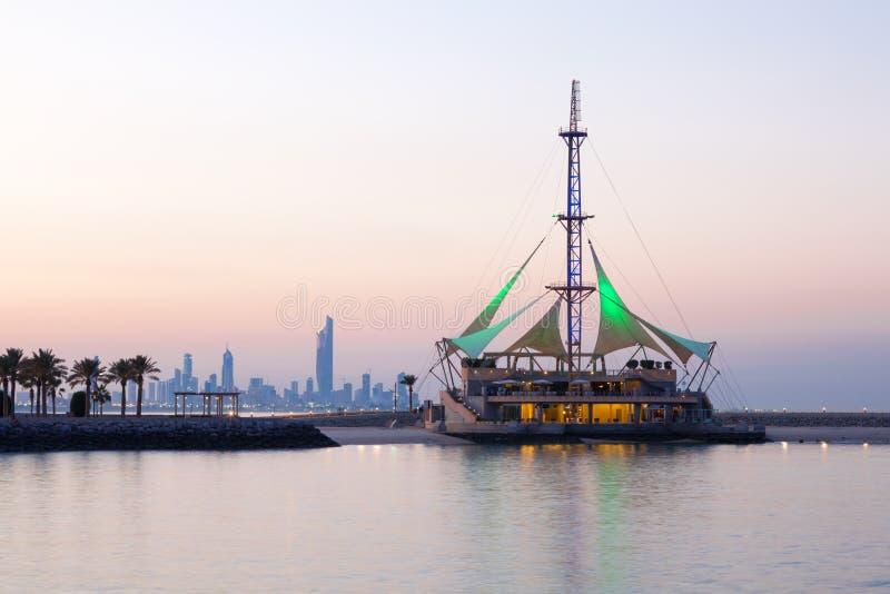 小游艇船坞挥动亭子在黄昏,科威特 图库摄影