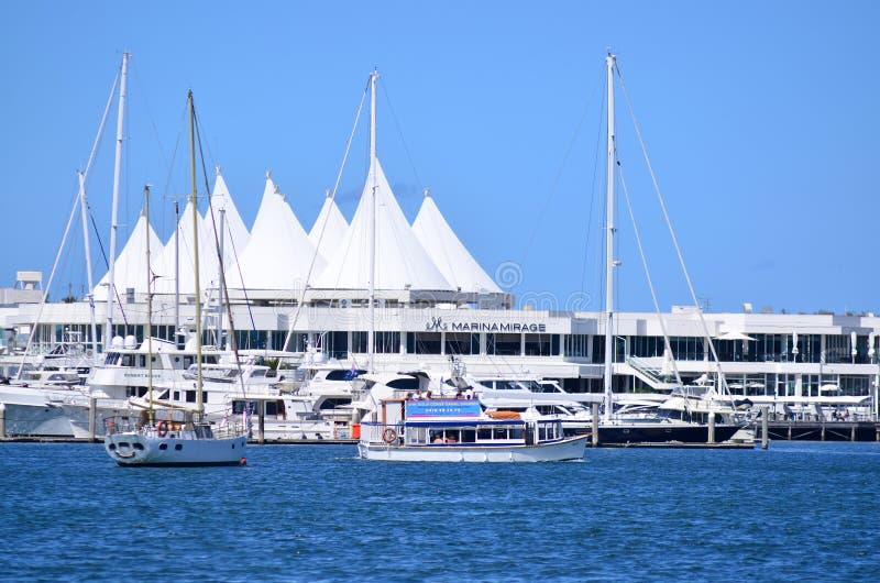 小游艇船坞海市蜃楼购物中心英属黄金海岸昆士兰澳大利亚 免版税库存照片