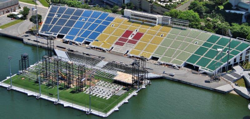 小游艇船坞海湾浮动平台 免版税库存照片
