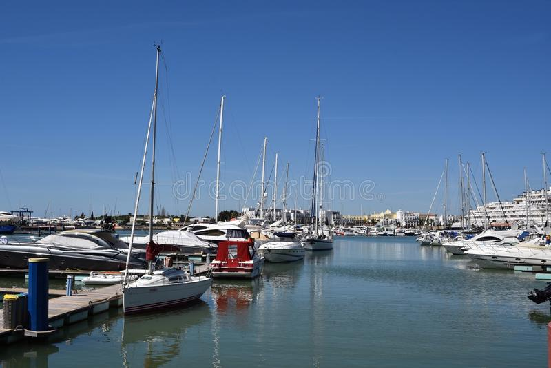 小游艇船坞莫拉镇,阿尔加威,葡萄牙,欧洲 库存照片