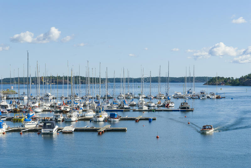 小游艇船坞Nynashamn群岛镇 库存图片
