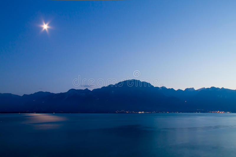小湖在瑞士 库存照片