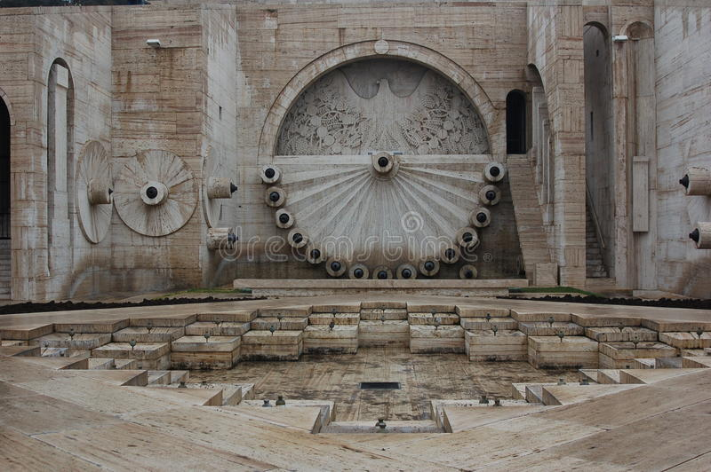 小瀑布的细节在耶烈万,亚美尼亚 库存照片