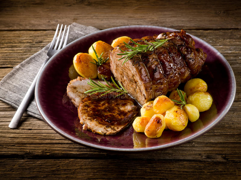 小牛肉烘烤  免版税库存图片