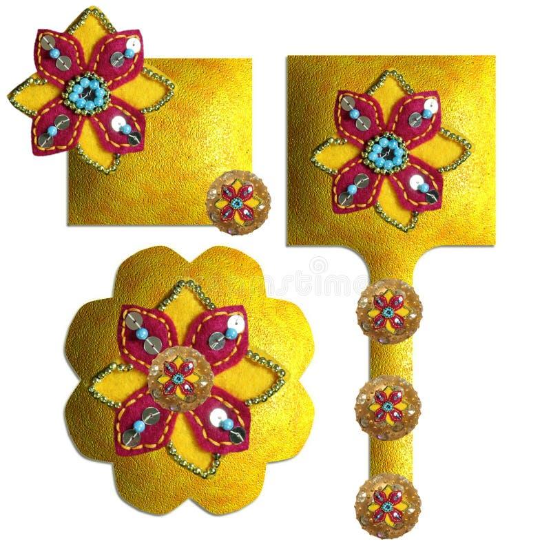 Download 小珠装饰了衣服饰物之小金属片 库存例证. 插画 包括有 纹理, 缝合, 衣服饰物之小金属片, 样式, 织品 - 22351599