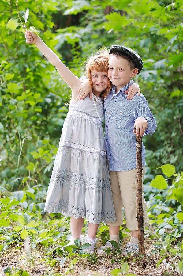 Download 小男孩和女孩 库存图片. 图片 包括有 男朋友, 每天, 亲爱的, 家伙, 非正式, 隐藏, 教育, 健康 - 30334637