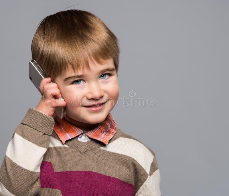 小男孩微笑 免版税库存图片