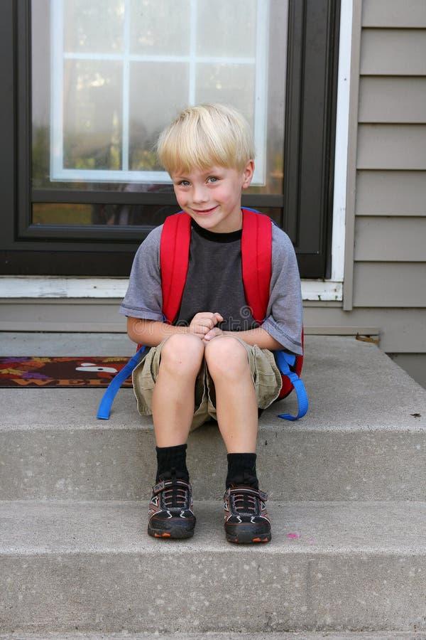 小男孩第一天学校 库存图片