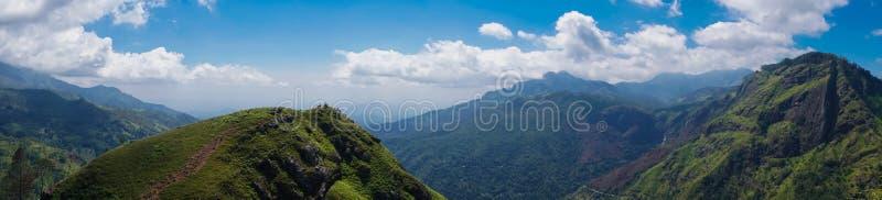 小的亚当` s峰顶山全景在斯里兰卡 库存照片