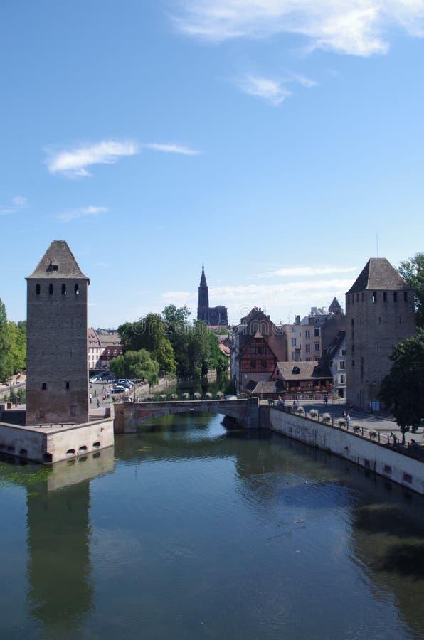 Download 小的法国-史特拉斯堡,法国 库存照片. 图片 包括有 目的地, 拱道, 城市, 建筑, 定位, 法国, 布琼布拉 - 59112656