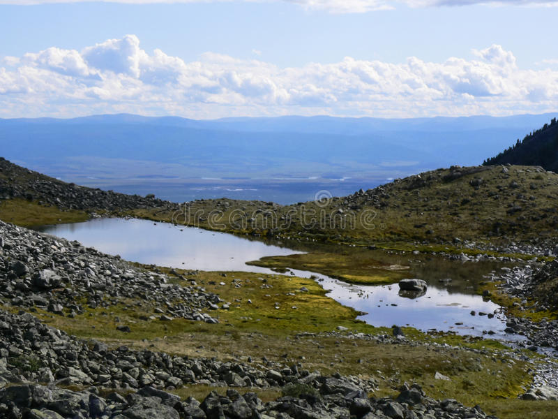 Download 小的湖 库存图片. 图片 包括有 深深, beauvoir, 本质, 天空, 蓝色, 横向, 但是, 夏天 - 59104321
