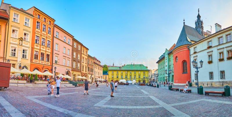 小的集市广场在克拉科夫,波兰 库存照片