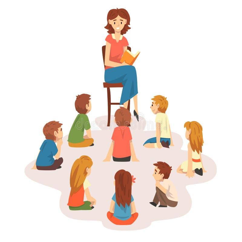 小组学龄前孩子坐地板、老师坐椅子和看书对儿童传染媒介例证 库存例证