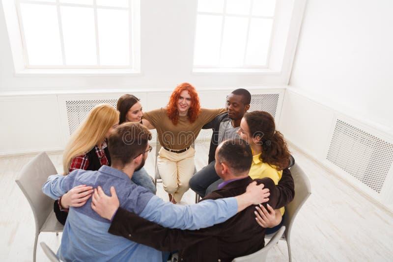 小组疗法,心理学支持会议 免版税图库摄影