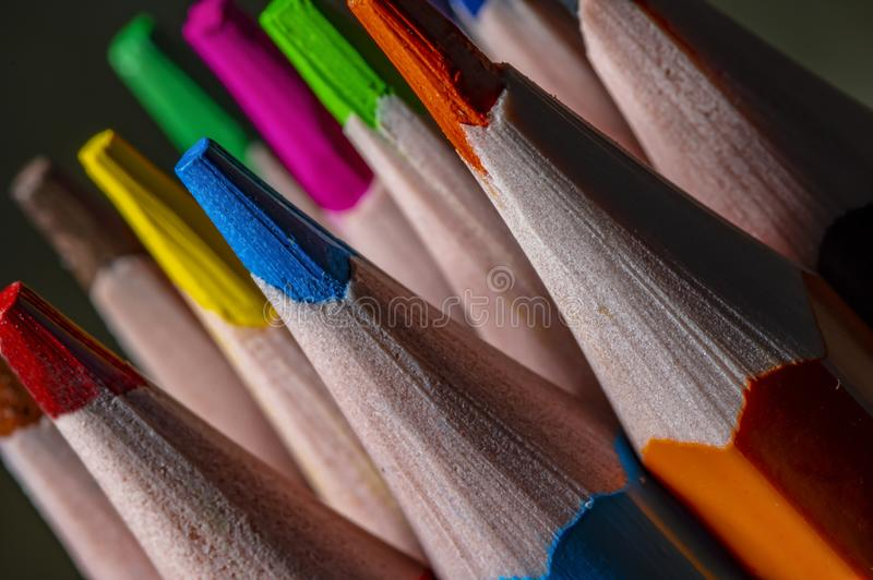 小组色的铅笔特写镜头 铅笔有一个角度 库存图片