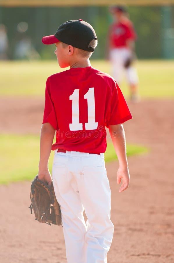 青年棒球运动员 库存图片